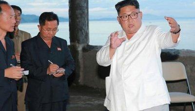 Ким Чен Ынпроинспектировал качество иреволюционный дух сумочной фабрики - «Новости дня»