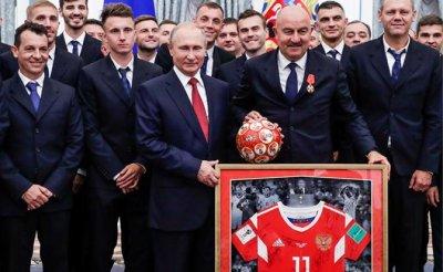 «Давали бы сразу в Кремле Героев России за 8-е место!» - «Спорт»