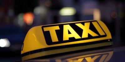 Петербургский таксист дважды изнасиловал пассажирку, но довез ее до дома
