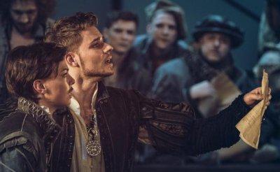 «Влюбленный Шекспир»: Московский путь с экрана на сцену - «Культура»