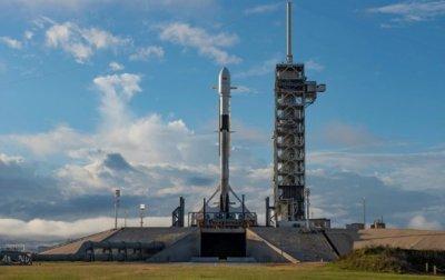 SpaceX запустила Falcon 9 с катарским спутником - (видео)