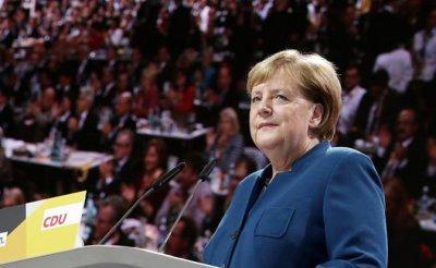 Ангела Меркель: Немецким кораблям пора бросить якоря у берегов Крыма - «Политика»