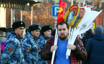 Кремль испугался протеста «как в Париже» и готов на уступки - «Политика»