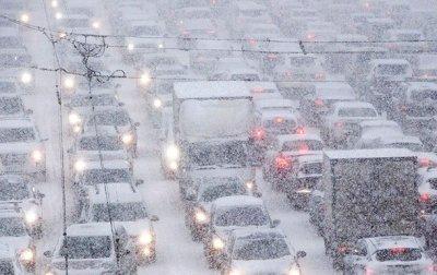 Непогода в Киеве: транспорт ходит без графика - «Украина»