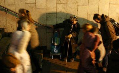 Новые русские нищие, которыми так гордится правительство Медведева - «Экономика»