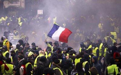 Париж в черном дыму - «Мир»