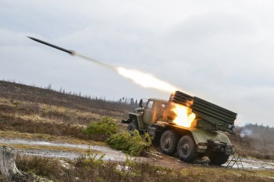 ВСУ перебросили к линии соприкосновения в ЛНР тяжелую артиллерию и танки - «Новороссия»