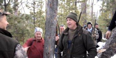 """""""VIP-охота в Приангарье"""": убийство спящего медведя могло стоить губернатору Левченко несколько тысяч долларов"""