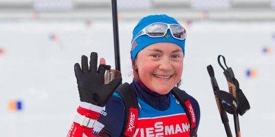 Женская сборная России по биатлону завоевала золото в эстафете в Германии