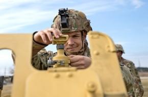 Русские пушки в США. Зачем американцы учатся стрелять из гаубиц Д-30 - «Новости Дня»