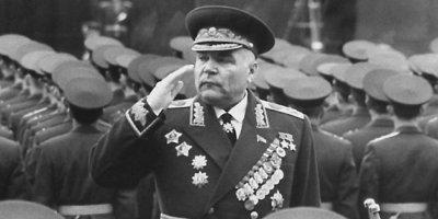 Найден дневник маршала Малиновского, объясняющий разгром советских войск в начале ВОВ