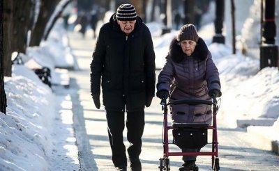 Пенсионеры пошли судиться с правительством Медведева за украденные миллионы - «Экономика»
