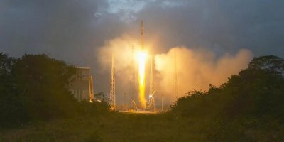 """Ракета """"Союз"""" успешно вывела на орбиту первые спутники для глобального интернета OneWeb"""