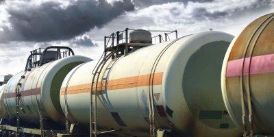 России предрекли избыток бензина