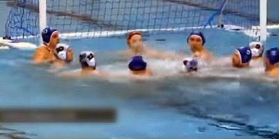 Российские ватерполисты устроили массовую драку прямо в бассейне
