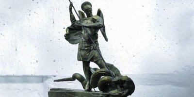 С зарплаты следователей начали списывать деньги на статую архангела Михаила