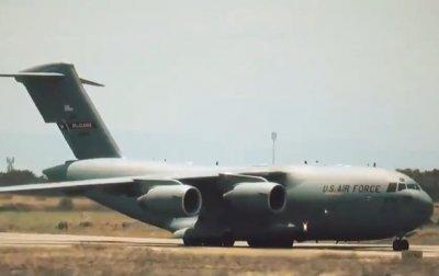 Самолеты США с гуманитаркой для Венесуэлы прибыли в Колумбию - (видео)
