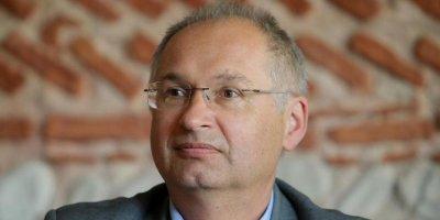 Словенскому депутату пришлось подать в отставку после кражи сэндвича