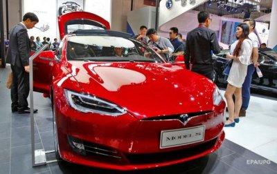 В автомобилях Tesla появился режим для собак - (видео)