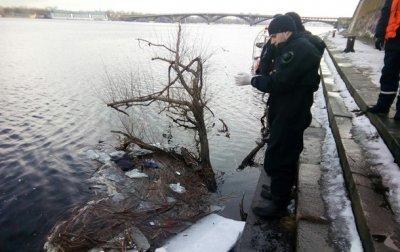 В Киеве из реки достали утопленницу - «Украина»