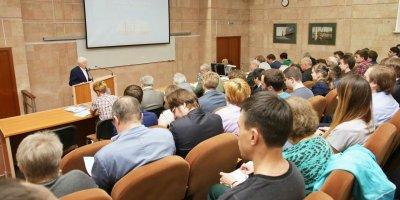 """В РАН предложили ограничить выезд молодых ученых для борьбы с """"утечкой мозгов"""""""