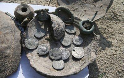 В Киеве нашли клад со старинными монетами - «Украина»