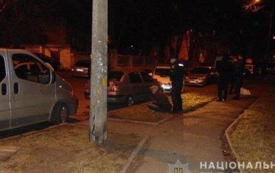 В Киеве прохожий задержал напавшего на него вооруженного разбойника - «Украина»