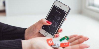 В России задумались о подключении услуг связи без SIM-карт