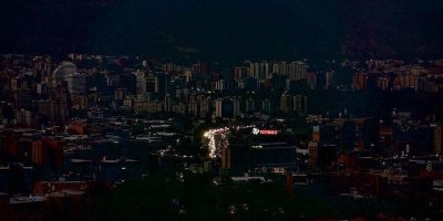 Венесуэла целиком осталась без электричества