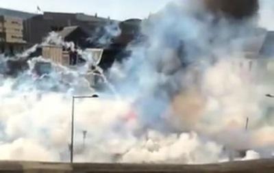 Во Франции торговцы устроили беспорядки из-за отмены ярмарки - (видео)