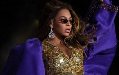 Beyonce анонсировала фильм и альбом с 40 песнями - (видео)