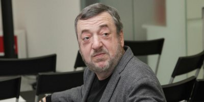 """""""Хватит хотеть, чтобы вас облизывали"""": Лунгин обратился к министру культуры после переноса даты выхода его фильма"""