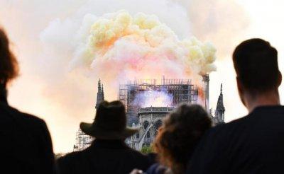 Ночь слез и огня в Париже: Кто поджег символ мирового христианства - «Происшествия»