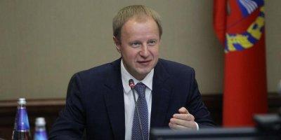 """""""Новый стиль руководства"""": губернатор Томенко помог трудоустроиться учительнице из Барнаула"""