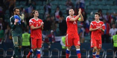 Сборная России поднялась на четыре строчки в рейтинге ФИФА