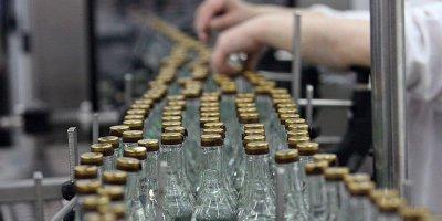 Треть выпускаемой в стране водки оказалась нелегальной
