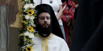 Уральского священника сослали в деревню из-за фото жены с конкурса красоты
