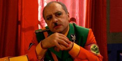 """В Омске еврея осудили за публикацию отрывка из """"Большой разницы"""" с нацистской символикой"""