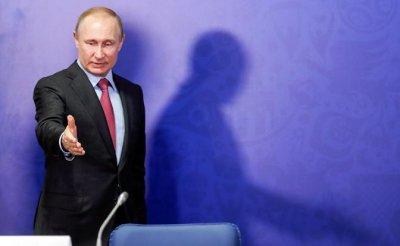В. Тетёкин: Путину надоело быть во власти, но уйти ему не даст окружение - «Политика»