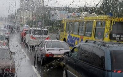 В Киеве образовались пробки из-за дождя и ремонта дорог - «Украина»
