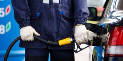 ФАС: нефтяники нарушают договоренности о заморозке цен на бензин