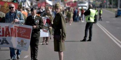 Латвийским военным запретят праздновать 9 мая в форме из моральных соображений