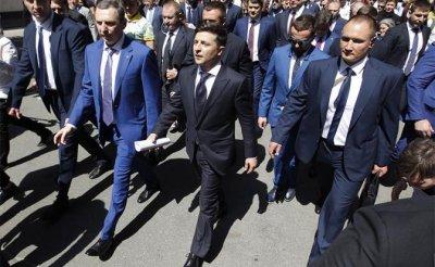 Зеленский еще не решил: В Донбассе — мрази или все-таки «не чужие» ему? - «Политика»