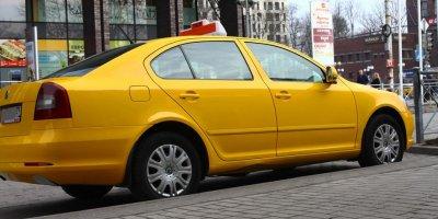 Агрегаторов такси могут обязать раскрывать судимость водителей
