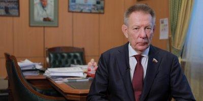 Депутат Госдумы на Lexus сбил мотоциклиста