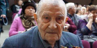 Из-за бездействия чиновников ветеран без ноги не попал на День Победы и проплакал дома