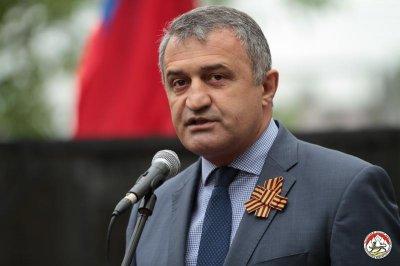 Президент Южной Осетии: Саакашвили принесет Украине вред и бардак - «Новороссия»