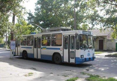 В оккупированном Лисичанске троллейбусы остались без электричества - «Новороссия»