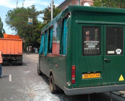 В оккупированном Северодонецке мусоровоз врезался в маршрутку с пассажирами - «Новороссия»