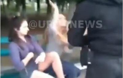 Под Киевом полиция применила газ против пьяных девушек-подростков - «Украина»